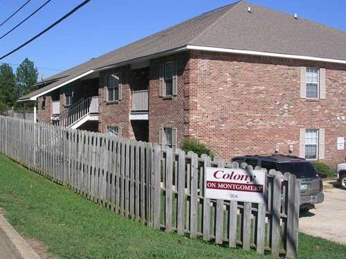 starkville apartments colony on montgomery